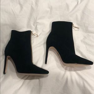 **PERFECT FOR FALL** RAYE BLACK HEELED BOOTIE